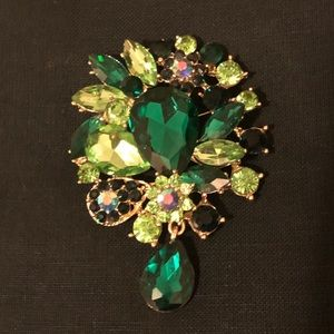 Vintage Style Green Sparkle Brooch Pin